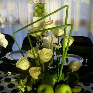 Cesta de flores y Frutas Cantábrico